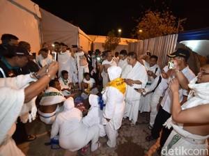 Kenangan Para Artis di Arafah saat Ibadah Haji