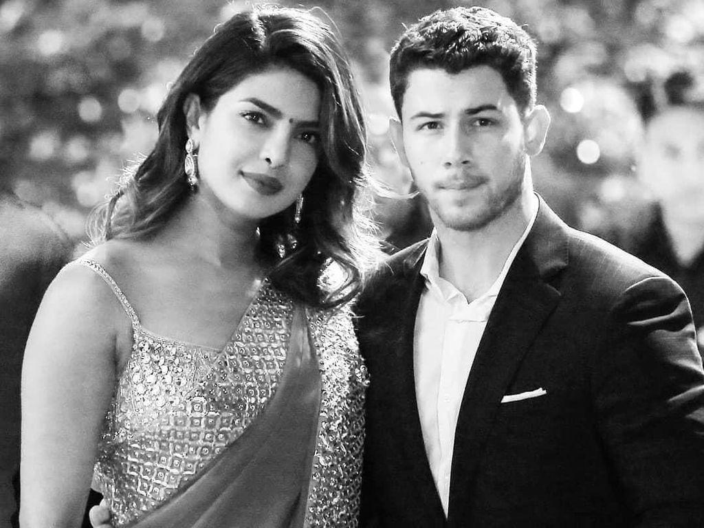 Sang Ibu Ungkap Detail Pertunangan  Priyanka Chopra dan Nick Jonas