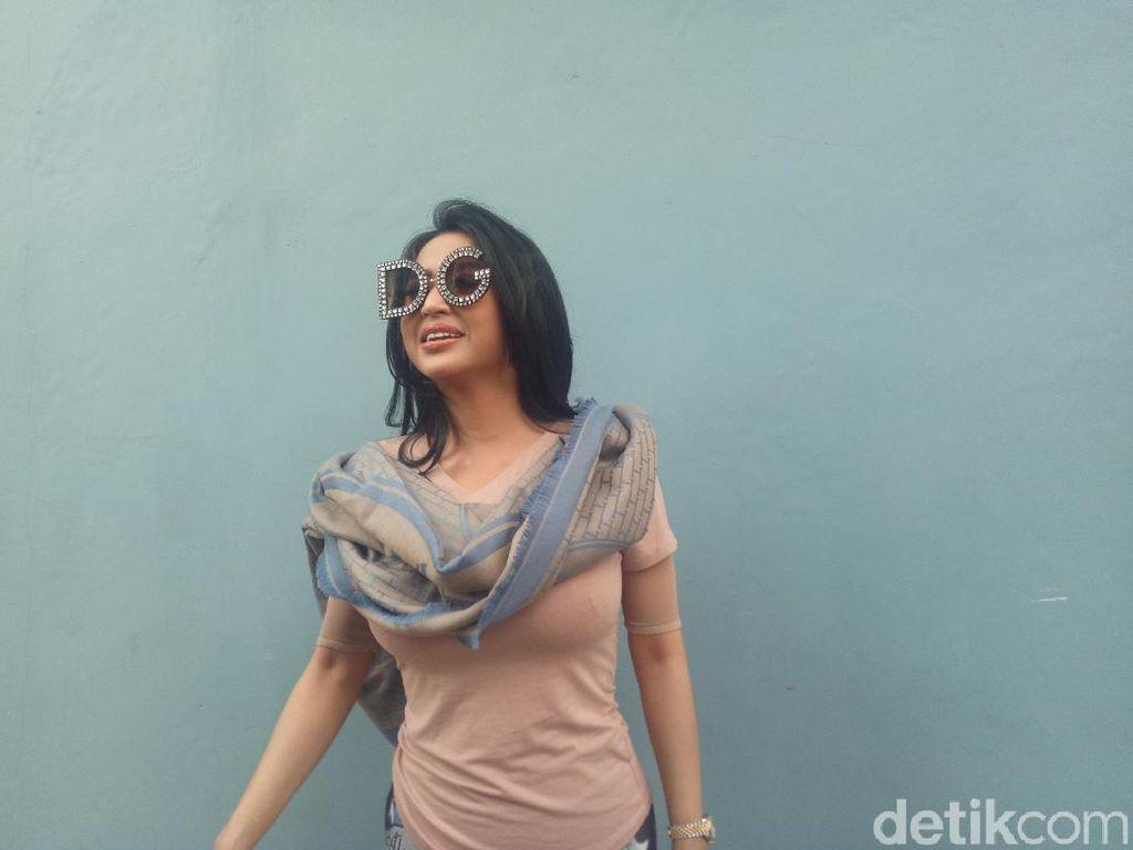 Dewi Persik hingga Wika Salim Hibur TNI-Polri di Gedung DPR