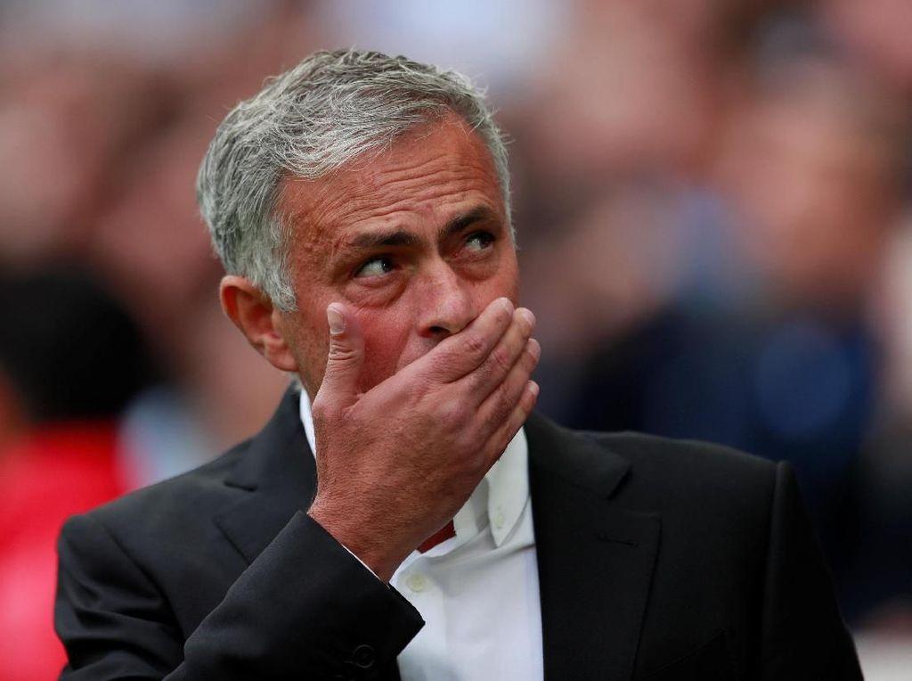 Jawaban Pendek Jose Mourinho di Konferensi Pers-nya yang Singkat