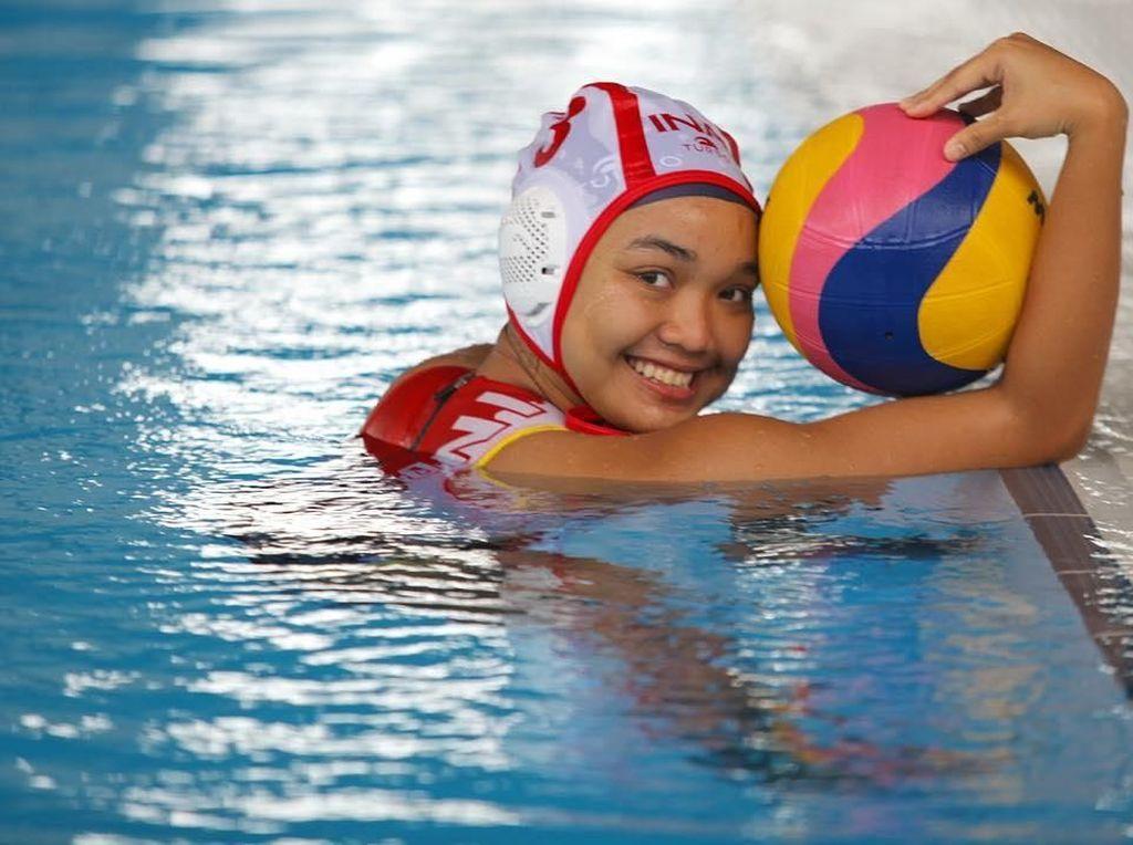 Alya Nadira, Atlet Polo Air yang Doyan Banget Makan Buah dan Sushi