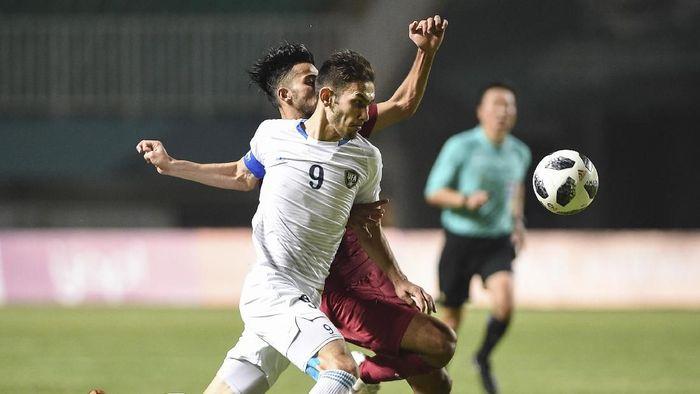Zabikhillo Urinboev asal Uzbekistan menjadi satu dari enam pemain yang sudah mengoleksi tiga gol di fase grup Asian Games 2018 ini, membuatnya masuk jajaran pemain subur untuk sementara. Ia masih bisa menambah gol di babak 16 besar. (Foto: Dhemas Reviyanto/INASGOC)