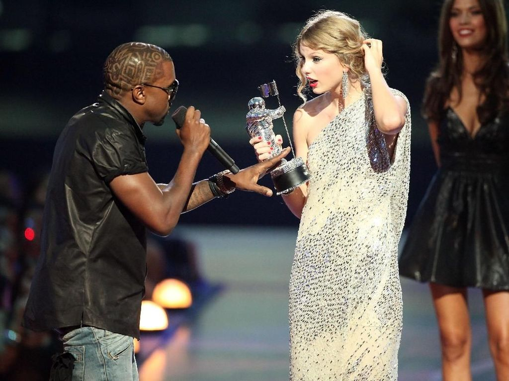 Alasan Kanye West Ganggu Taylor Swift di VMA 2009: Disuruh Tuhan