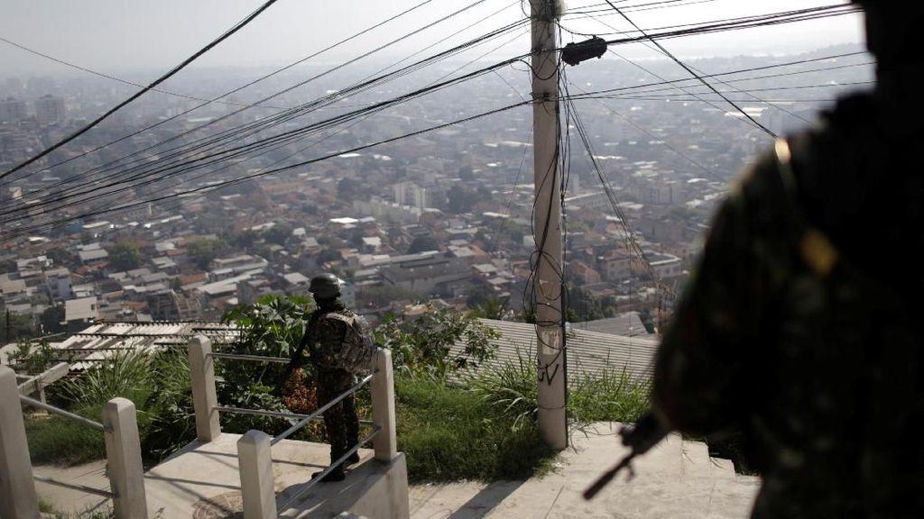 6 Orang Tewas Saat Baku Tembak Tentara dan Geng Narkoba di Brasil