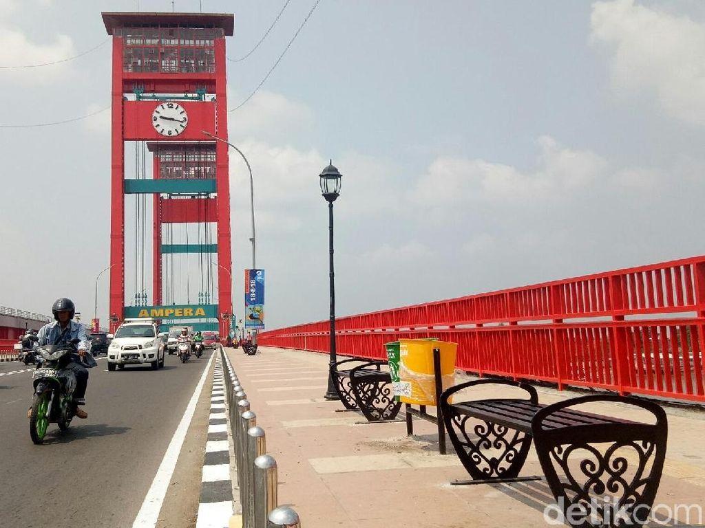 Jembatan Ampera Ditutup Saat Salat Idul Adha