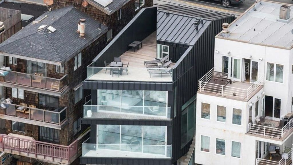 Rumah Berdesain Aneh Ini Dijual Rp 82 Miliar