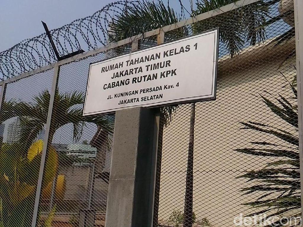 Libur Nyepi, Keluarga Jenguk Tahanan Korupsi KPK