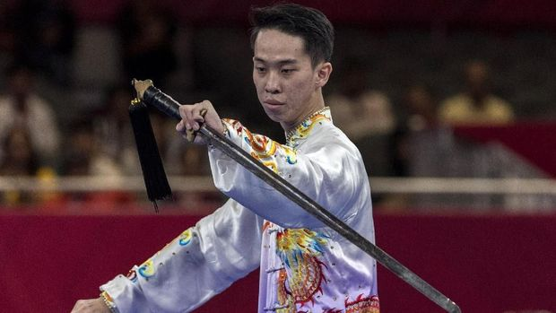 Bobie Valentinus gagal mempersembahkan medali di cabang wushu. (