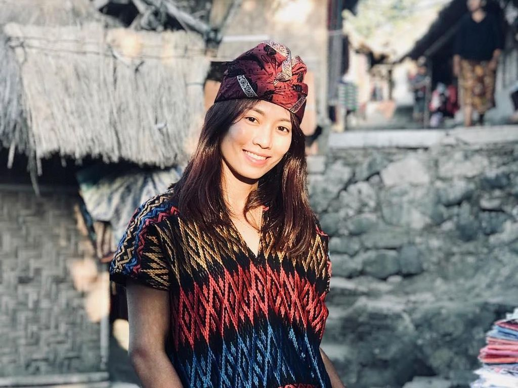 Berllian Marsheilla, Atlet Voli Cantik Indonesia yang Suka Traveling