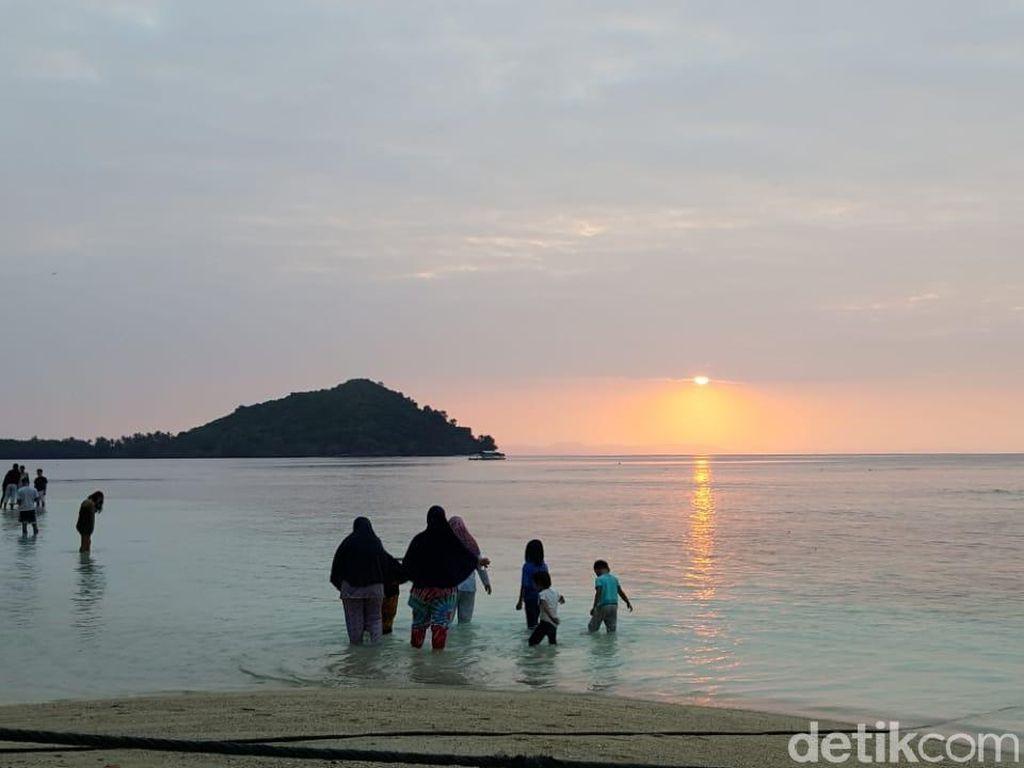 Foto: Asyiknya Pagi di Pulau Pahawang, Jadi Ingin Liburan Terus