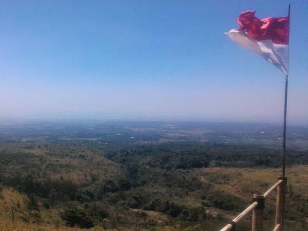 Bukit Lambosir, Keindahan di Kaki Gunung Ciremai