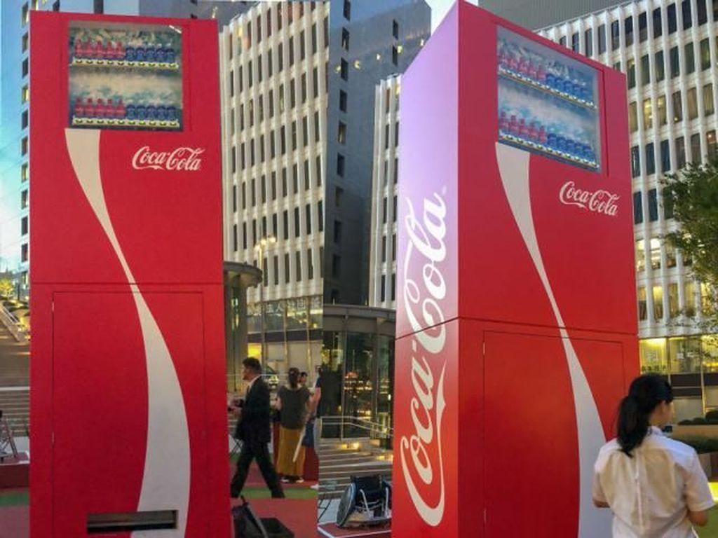 Ini Dia Volley Vending Machine yang Sengaja Dibuat dengan Tinggi 3 Meter!