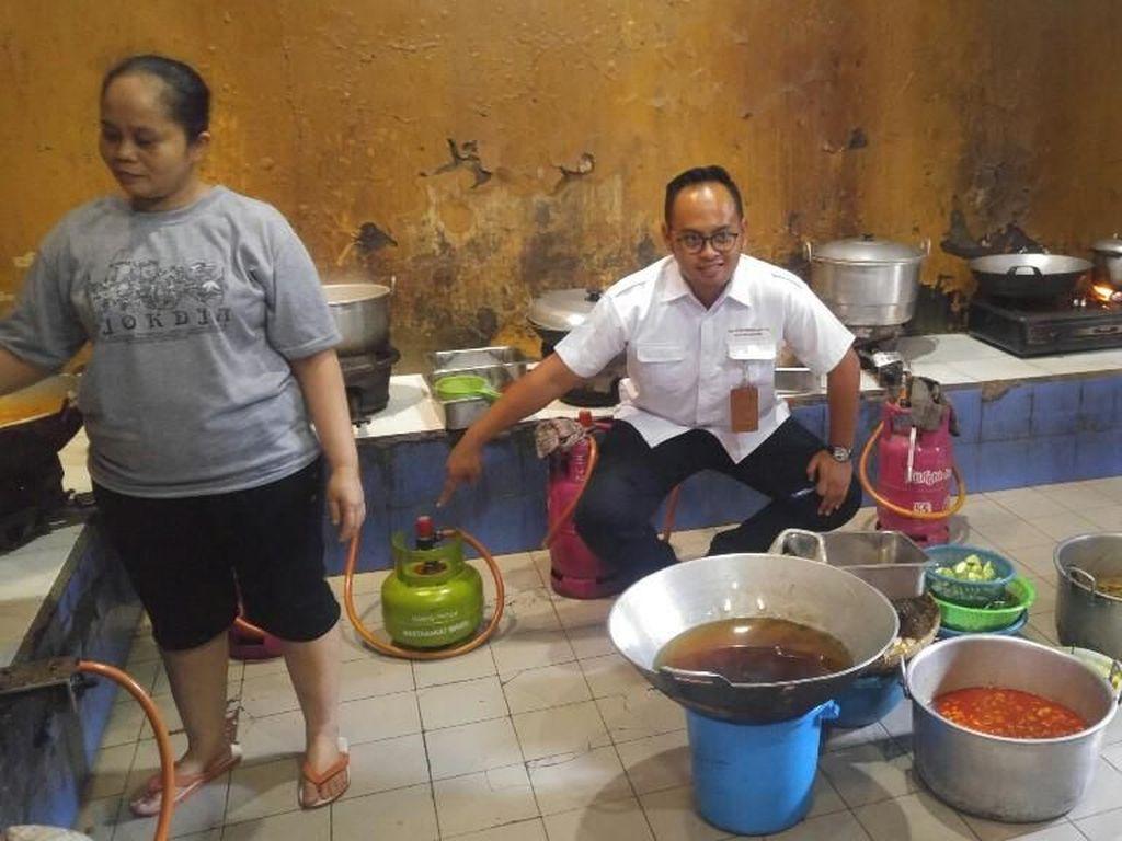 Miris, Elpiji buat Orang Miskin Masih Ditemukan di Rumah Makan