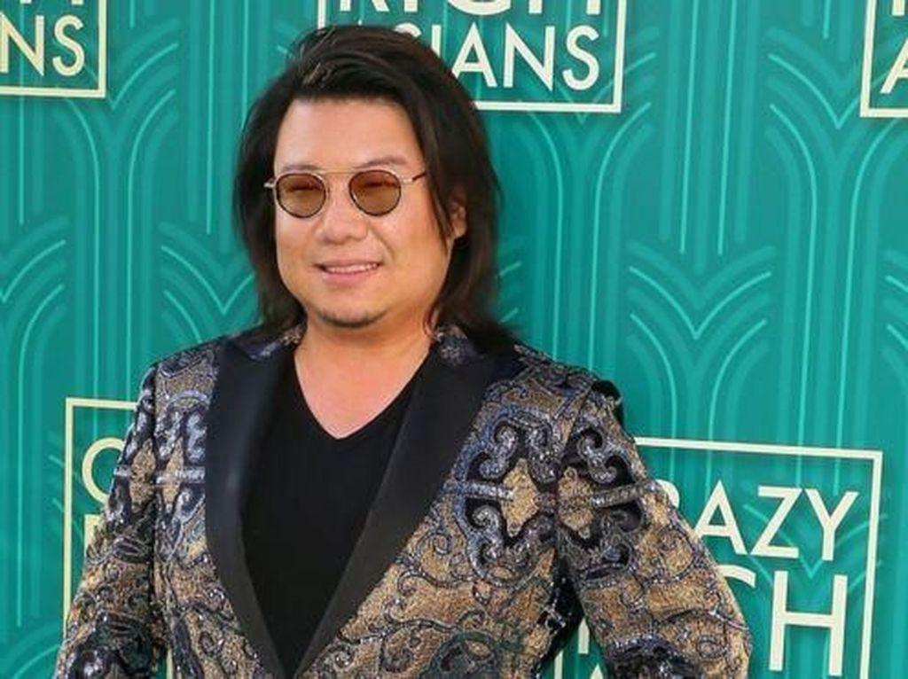 Begini Penampakan Novel Baru Penulis Crazy Rich Asians
