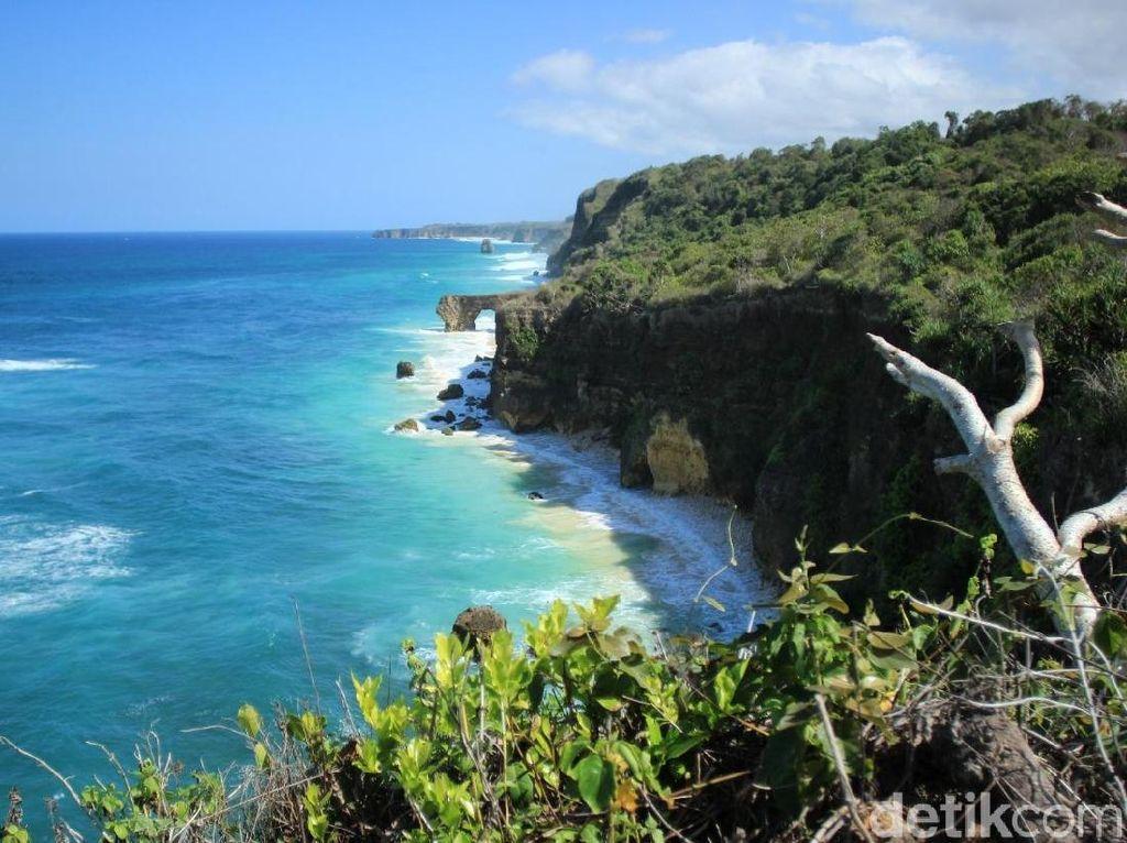 Bukan di Australia, Ini Batu 12 Apostles Versi Sumba