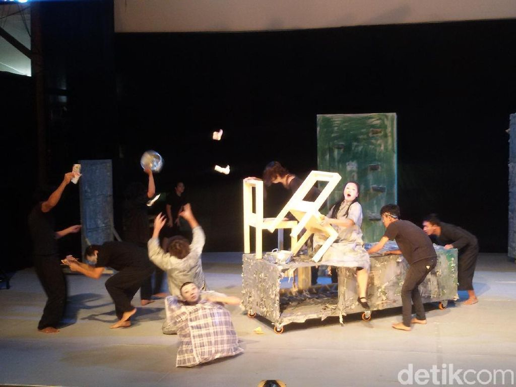 Seniman 6 Negara Berkolaborasi Dalam City Of Darkness di Yogyakarta