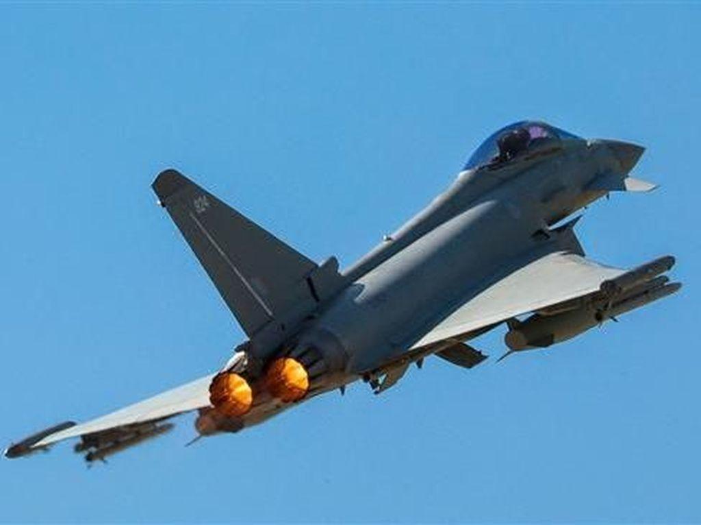 Jet Tempur Inggris Dikerahkan Cegat Pesawat Rusia di Laut Hitam