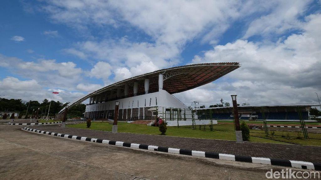 Kompleks Olahraga Rp 480 Miliar yang Membetot Mata di Timika