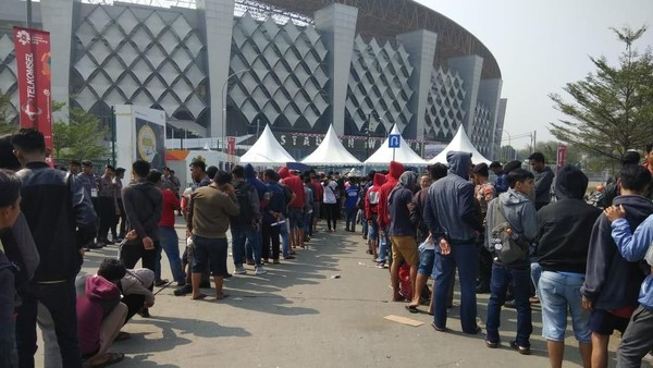 Antrean Panjang, Tiket Kategori B Laga Indonesia vs UEA Ludes
