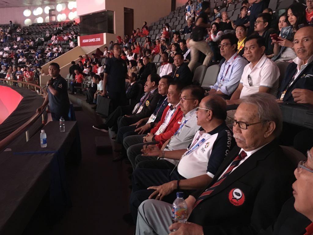 JK Tonton Pertandingan Karate di GBK Bareng Gatot Nurmantyo