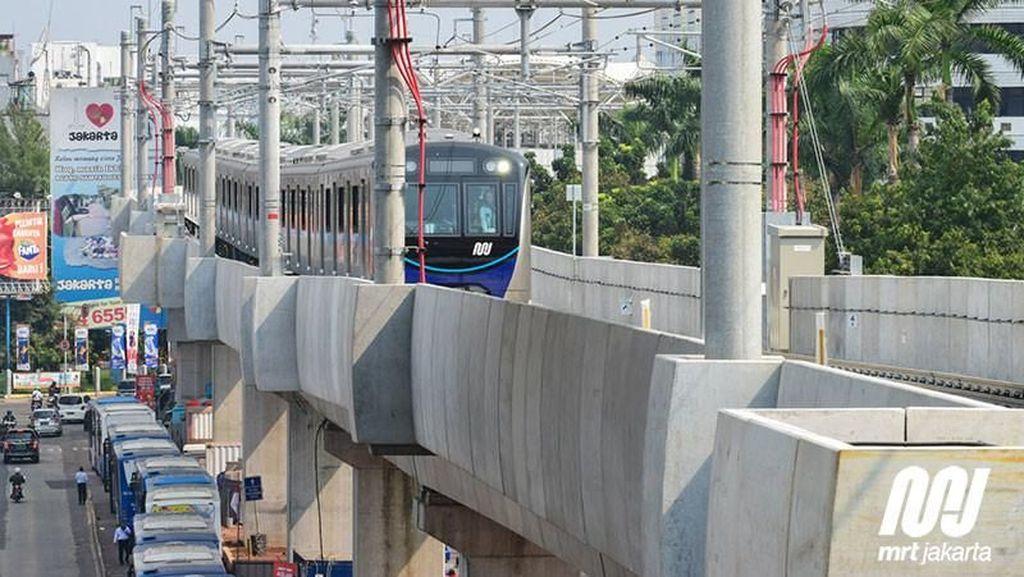 Seru! Jajal Kereta MRT Jakarta dari Melayang hingga Bawah Tanah