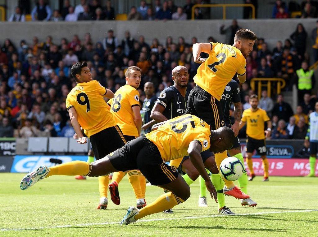 Gol Wolverhampton Berbau Handball, Guardiola Enggan Berkomentar