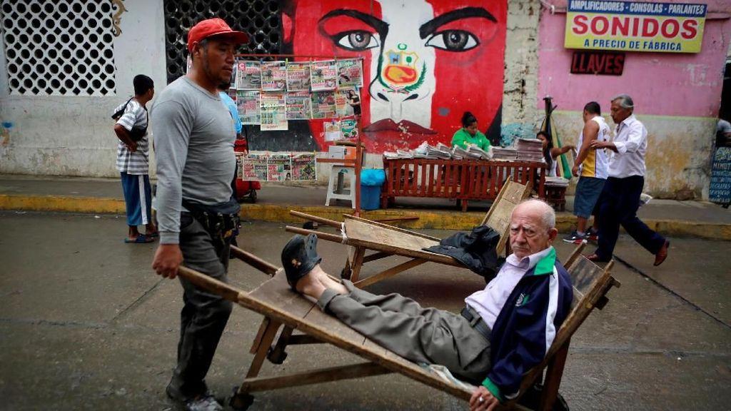 Krisis Makin Parah, Warga Ramai-ramai Kabur dari Venezuela