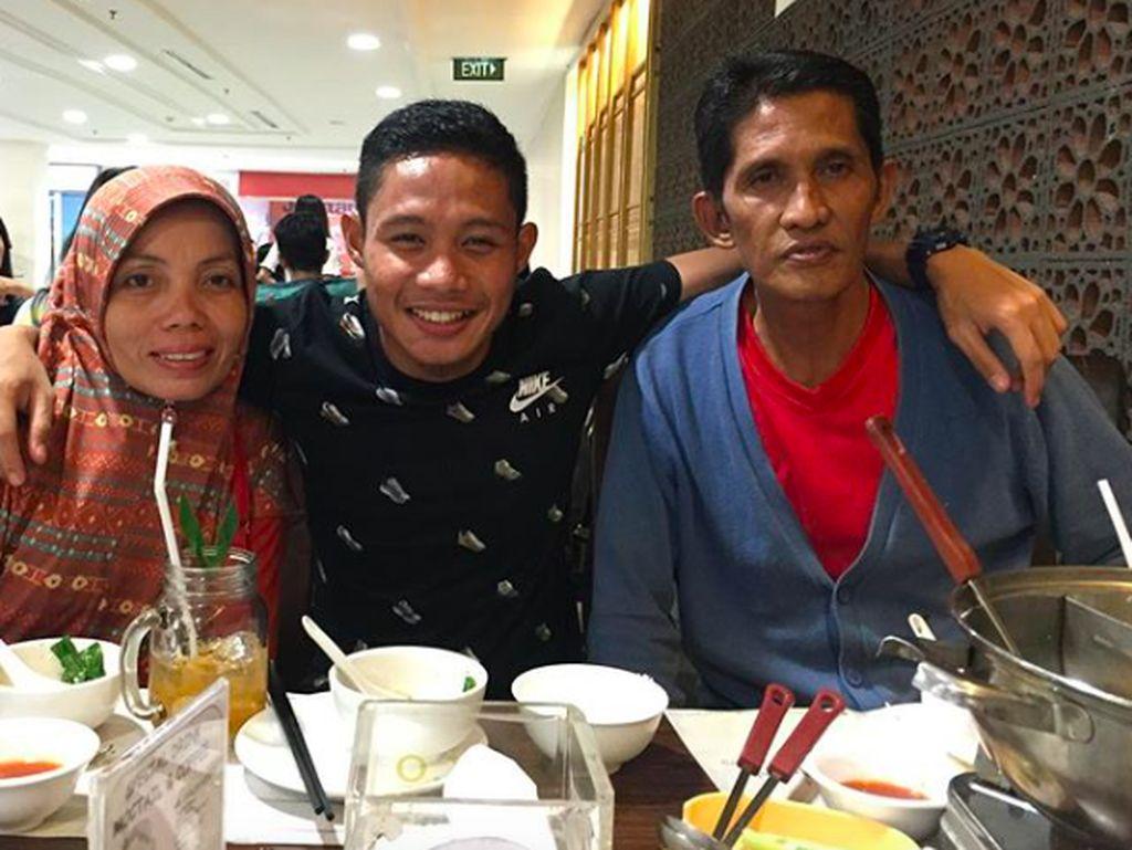 Gelandang Timnas U-23, Evan Dimas Punya Gaya Kulineran Sederhana