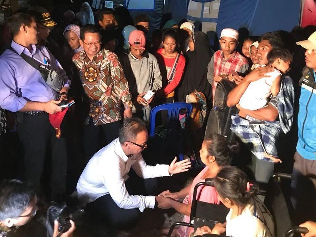 Mensos Agus Gumiwang Langsung Sambangi Pengungsi Gempa Lombok