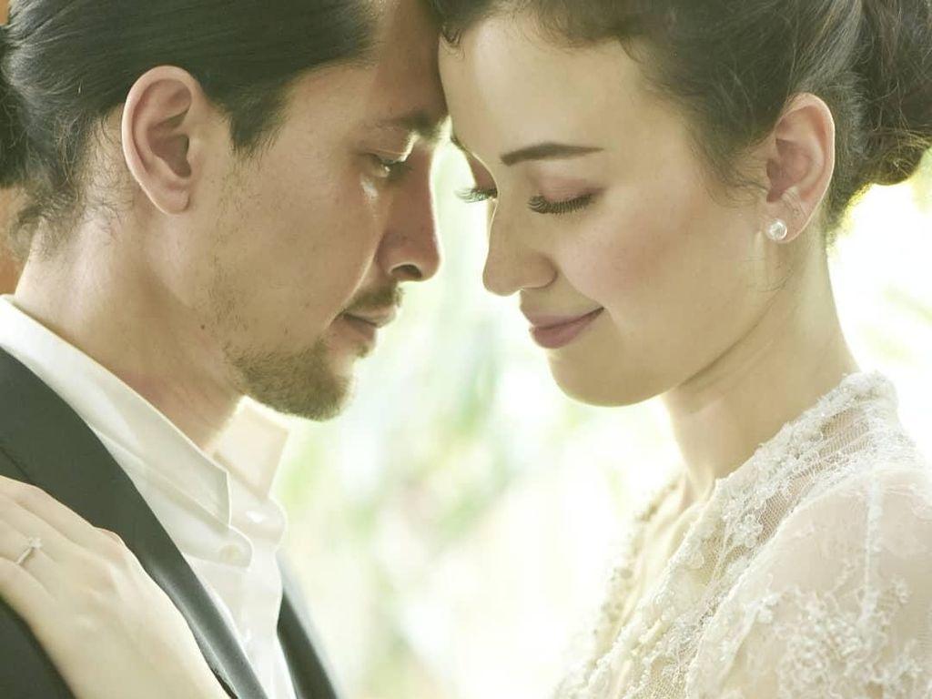 Senyum Bahagia Kimberly Ryder Resmi Nikah dengan Edward Akbar
