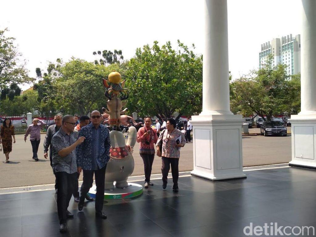 Jokowi Kumpul Bareng Konglomerat Muda di Istana