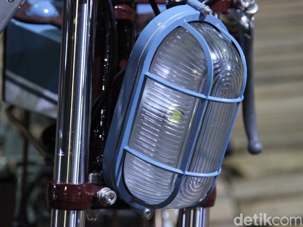 4 Motor dengan Lampu Unik