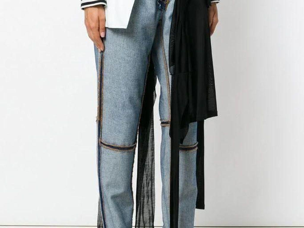 Jeans Terbalik dengan Stocking Nyangkut Ini Dijual Rp 18 Juta