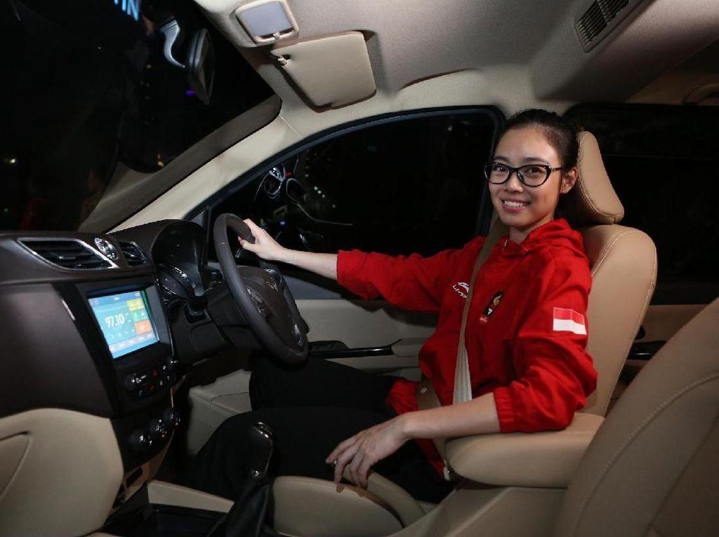 Wuling Kasih Mobil Buat Lindswell, Toyota Mau Ikutan?
