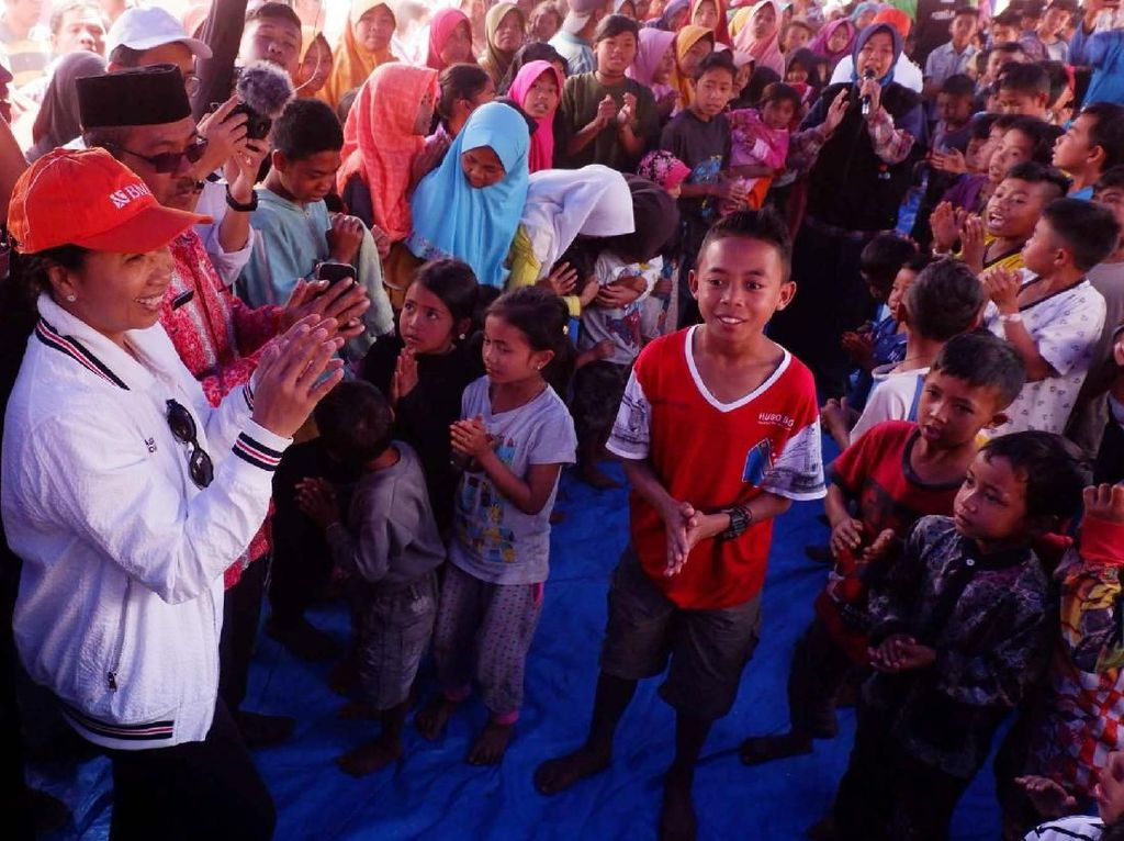 Menteri BUMN Hibur Anak-anak Korban Gempa Lombok