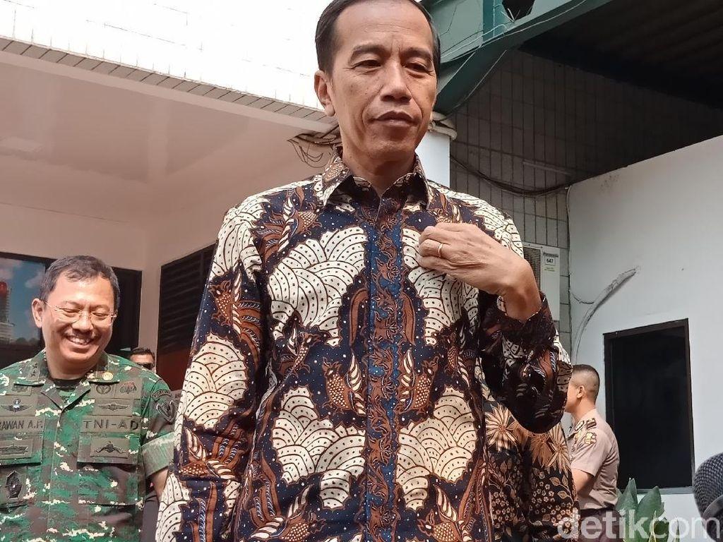 Video Jokowi Jenguk Habibie di RSPAD