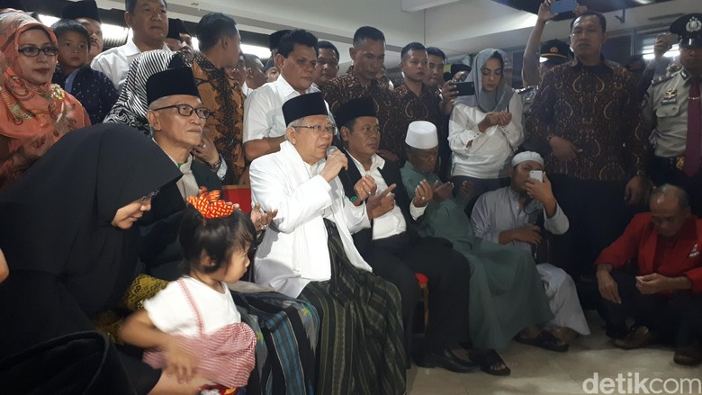 Doa Maruf Amin Saat Haji: Walau Pilpres, Semoga Bangsa Tetap Utuh