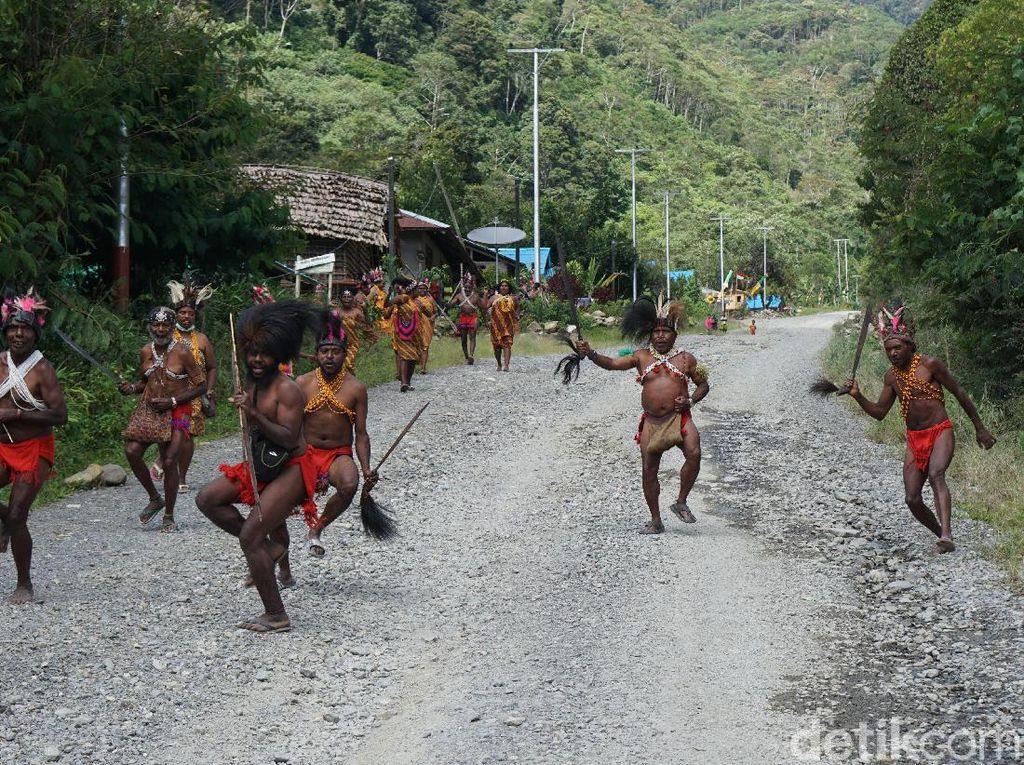 Mengenal Suku-suku Pedalaman Pegunungan Papua Barat