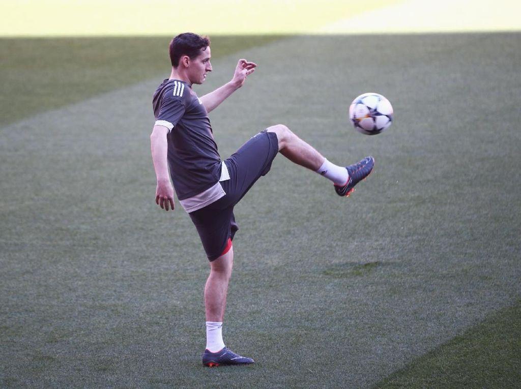 Tinggalkan Bayern, Sebastian Rudy Gabung Schalke