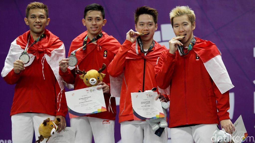 Gigit Medali Jadi Tradisi, Begini Girangnya Atlet Indonesia Saat Menang