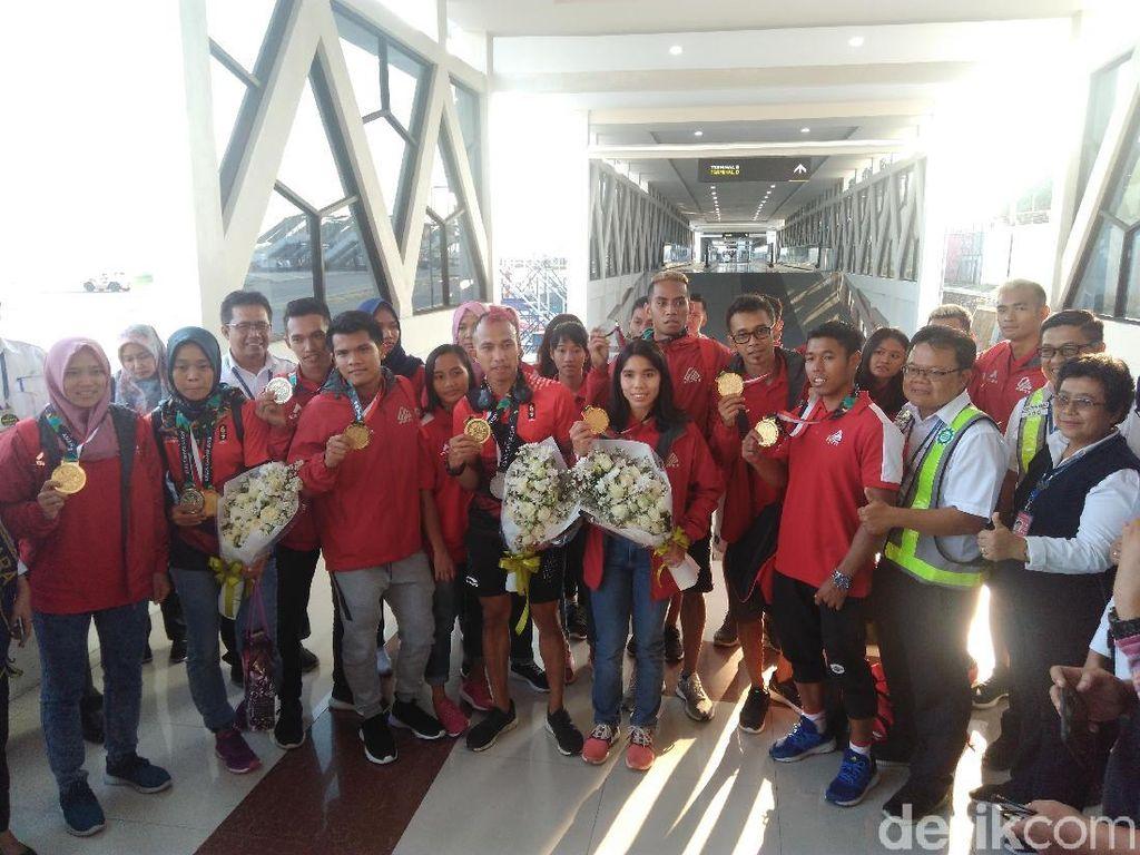 Sambutan Meriah Atlet Panjat Tebing Asian Games di Bandara Yogyakarta