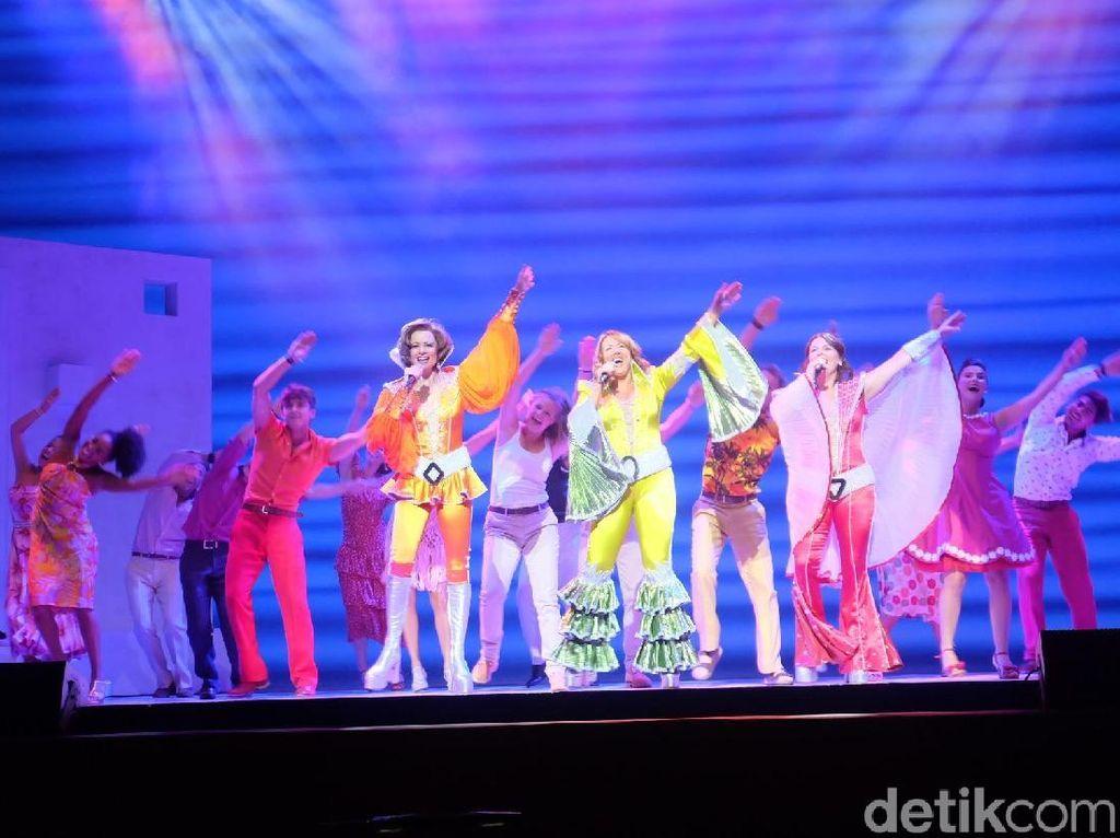 Mengintip 2 Cuplikan Adegan MAMMA MIA! Musikal Jakarta
