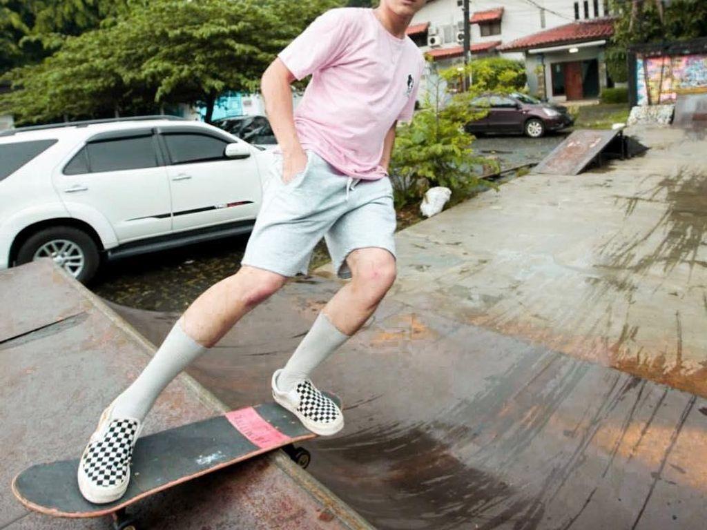 Putus Cinta dengan Anya Geraldine, Ini Gaya Lincah Bio One Main Skateboard