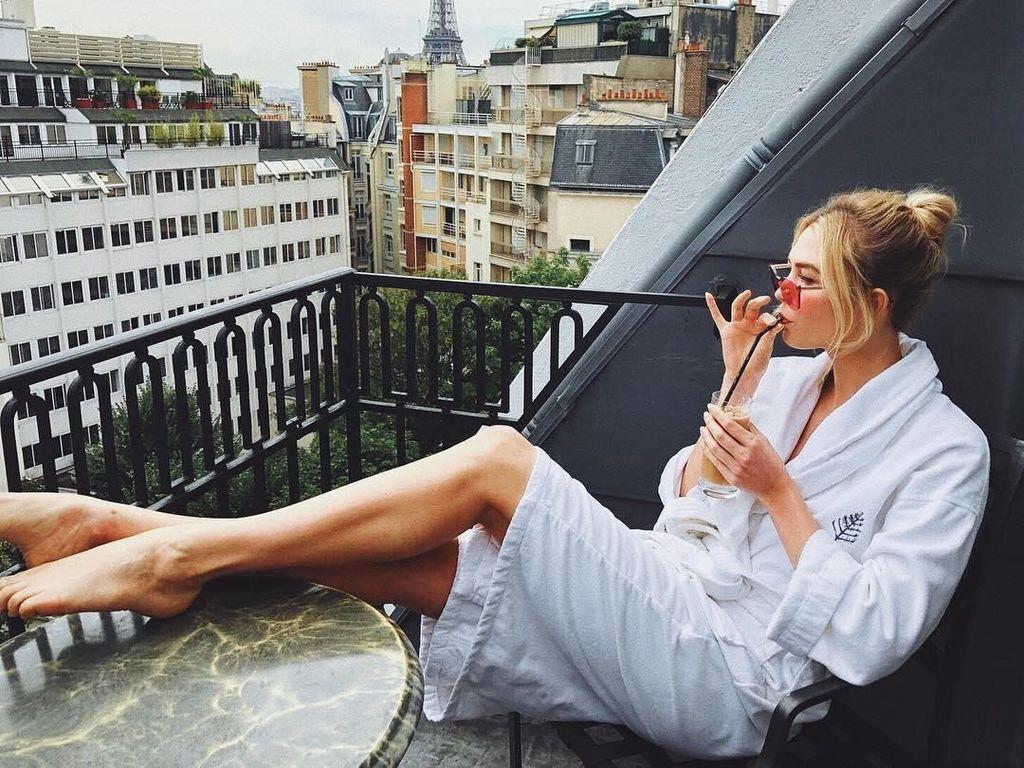 Liburannya Eks Model Victorias Secret, Karlie Kloss