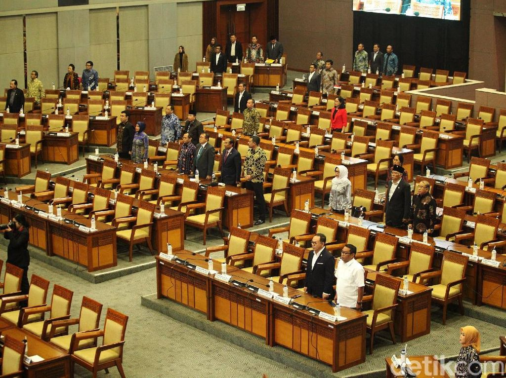 Paripurna Peringatan HUT DPR, 339 Anggota Dewan Tak Hadir