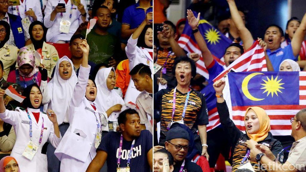 Adu Yel-yel Suporter Indonesia vs Malaysia