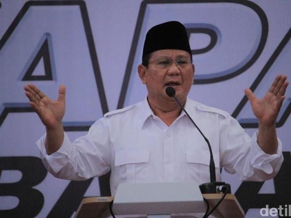 Canda Prabowo ke Warga: Kelihatan dari Tampang, Kredit Belum Lunas