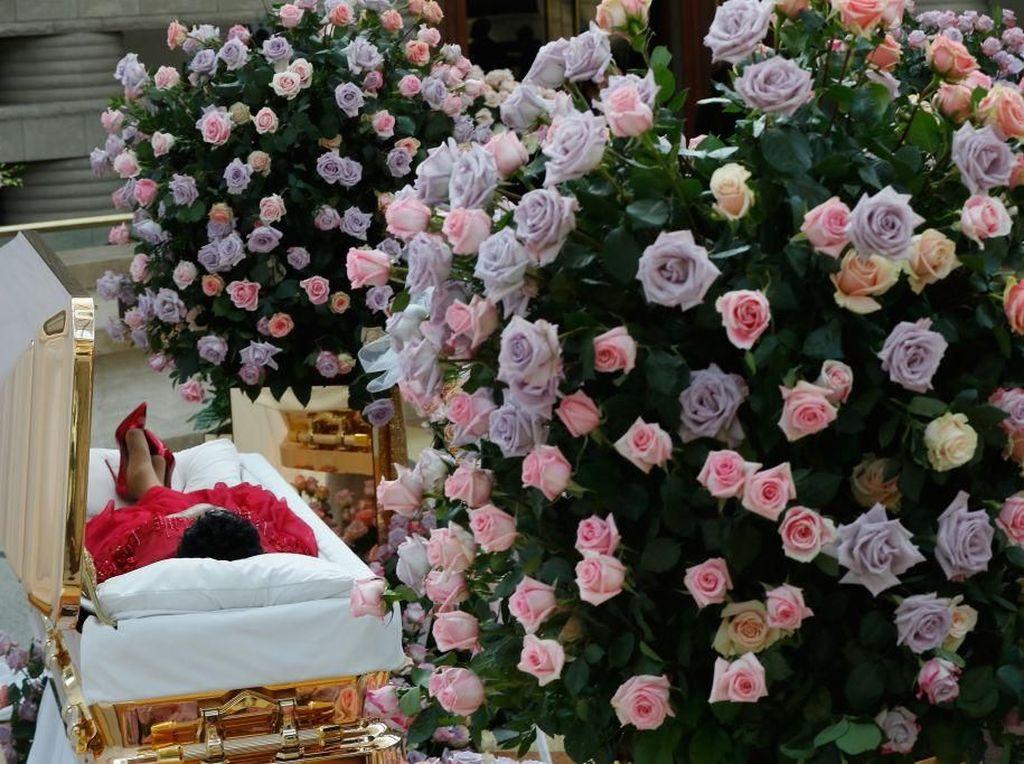 Fans Beri Penghormatan Terakhir untuk Aretha Franklin di Gereja