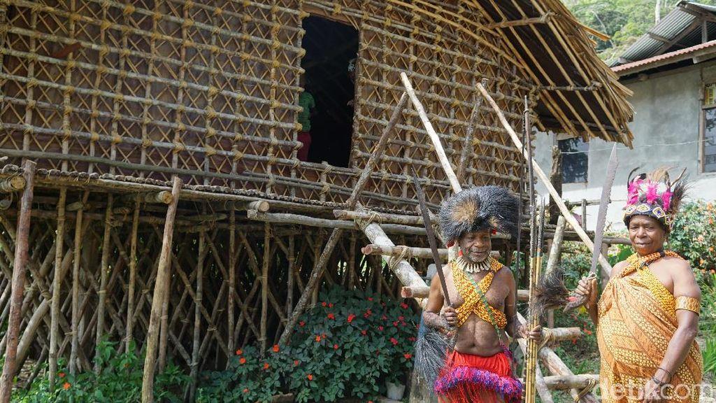 Potret Kebiasaan Unik Warga Pegunungan Arfak Papua Barat