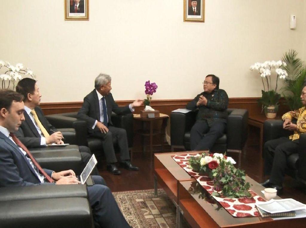 RI Jajaki Tambahan Utang dari AIIB Danai Proyek Infrastruktur